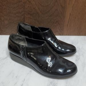 4/$25 SALE! Cole Haan 8.5 waterproof black patent